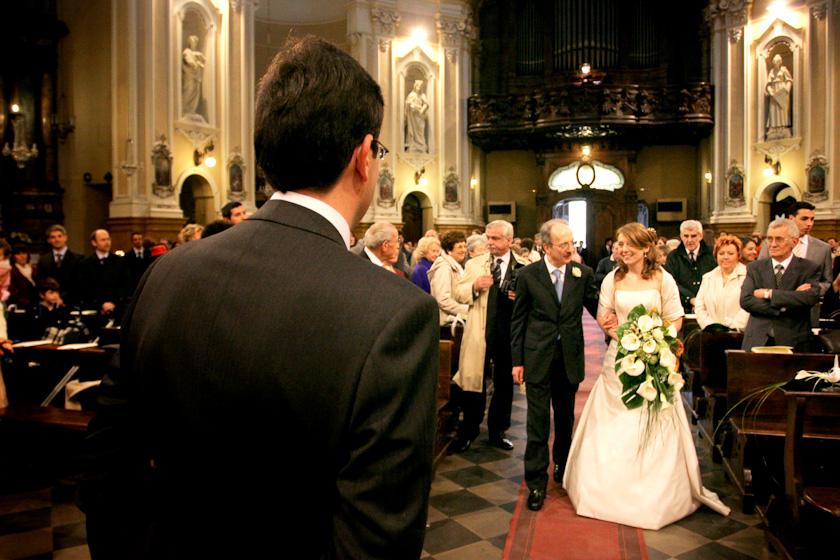 sposo e sposa in chiesa sant'alfonso torino