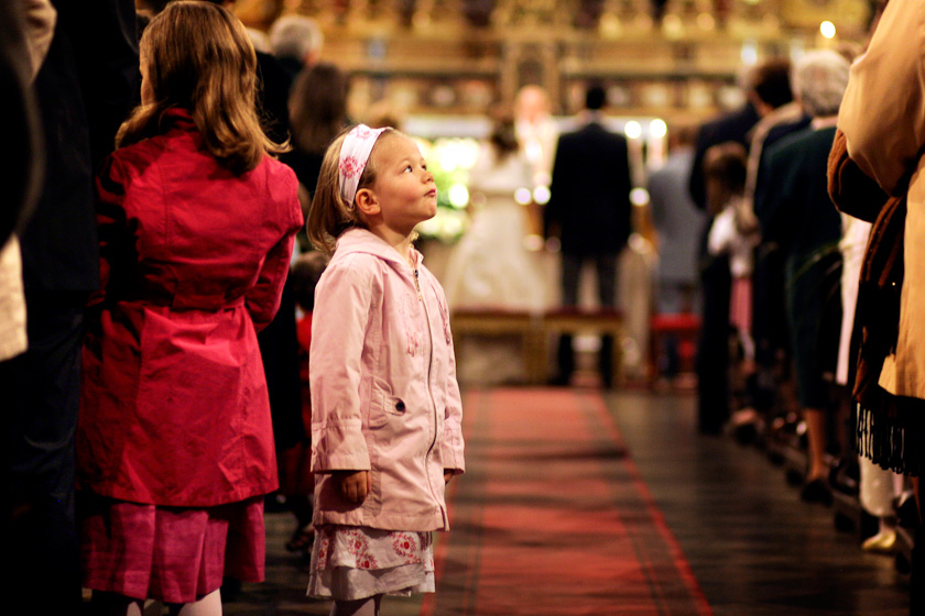 bimba in chiesa sant'alfonso torino