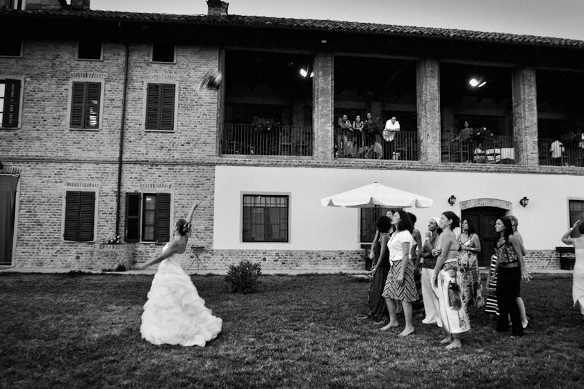 lancio del bouquet matrimonio canavese