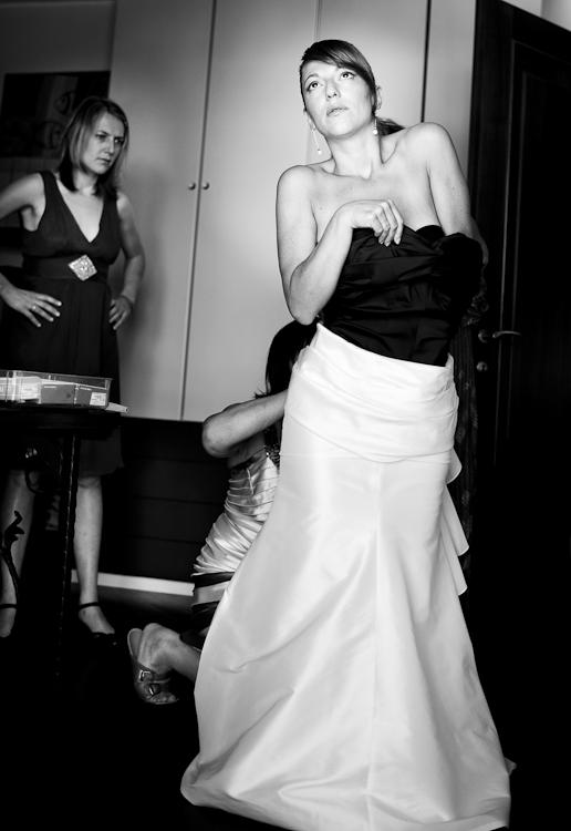 fotografo vestizione sposa