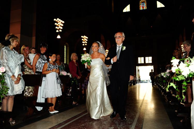 dda56d8eca73 reportage matrimonio ingresso sposa in chiesa crocetta ...