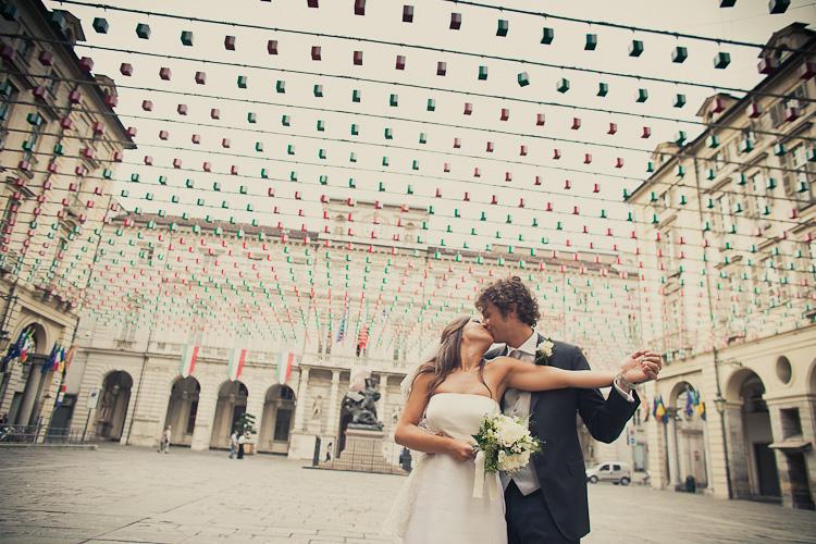 sposi piazza palazzo di citta