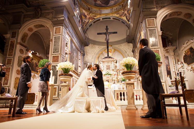 Matrimonio In Chiesa : Sposi chiesa ognissanti firenze joyphotographers